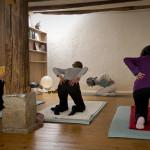 Hormonální jóga pro ženy, které s přechodem bojují